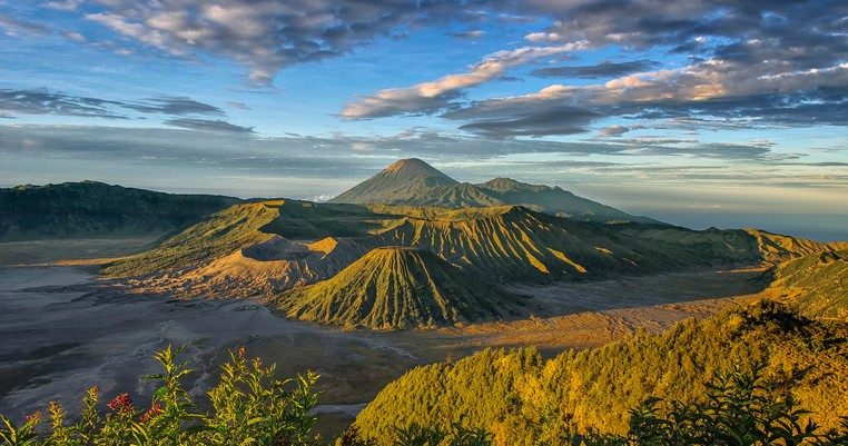 Tour Package to Ijen and Bromo From Banyuwangi and finish in Malang